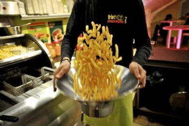 Kwart Belgen één keer per week naar de frituur